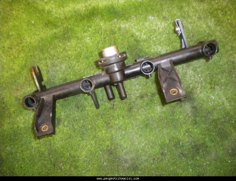 Peugeot 106 Enjektör Kütüğü