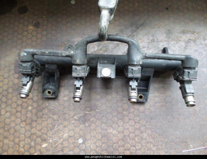 Peugeot 206 Enjektör Kütüğü