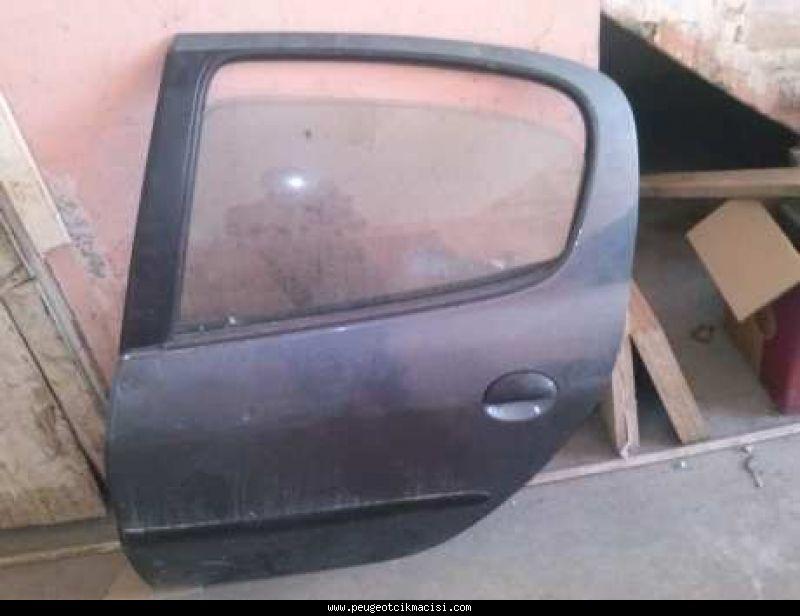 Peugeot 206 Sol Kapı Arka