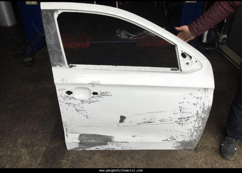 Peugeot 301 Kapı Sağ Ön