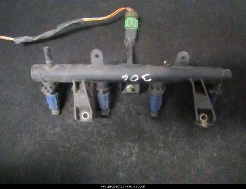 Peugeot 306 Enjektör Kütüğü