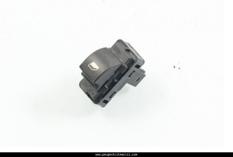 Peugeot 308 Arka Cam Düğmesi