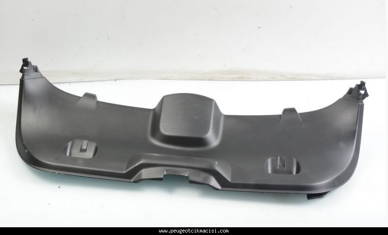 Peugeot 308 Bagaj Kapak Plastiği
