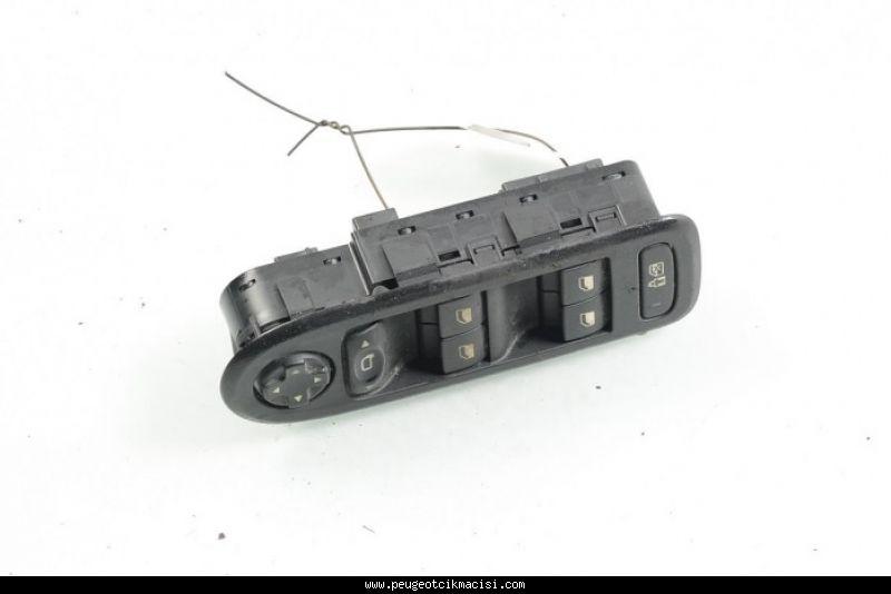 Peugeot 308 Cam Düğmesi